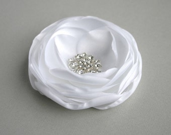 White Flower Fascinator, Bridal Flower Hair Piece, Wedding Hair accessories, White Flower Hair Clip, Bridal Headpiece, Wedding Hair pin