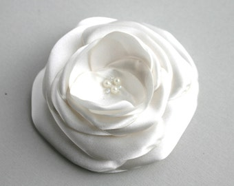 Ivory Bridal Facinator, Silk Flower Wedding Hair Accessory, Ivory Flower Hair Clip, Flower Veil, Bridal Accessory, Flower Hair Piece