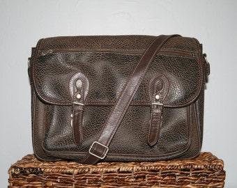 VINTAGE 1990s Brown Textured Faux Leather Satchel