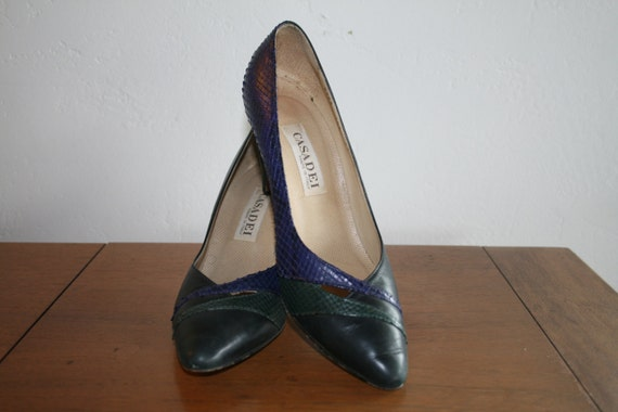 Vintage Black Leather Pumps / 1980s Python Pumps / Size 7