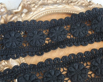 Very cute  black  color   venice  lace  1   yard listing  3.5 inch wide