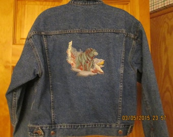 Mens medium denim jacket-Bill Blass-Embroidered bear scene- beautiful