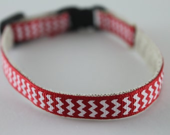 "Red and White Chevrons 1/2"" collar"