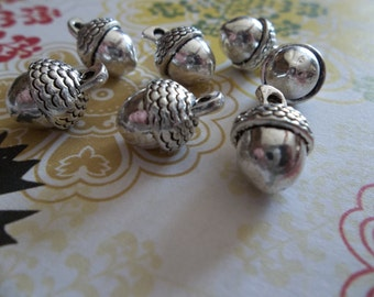 Three Dimensional Silver Acorn Charms - Qty 7