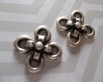 Silver Flower Connectors or Charms - Ethnic Earring Findings - Oxidized & Antiqued Silver Sterling Plated Pewter - Qty 5