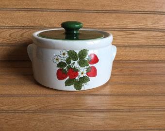 McCoy Strawberry Crock Bean Pot with Lid 1421 Vintage