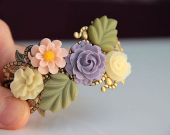 Spring fashion Purple pink off white resin flowers and leaves bracelet cabochon wedding bracelet, vintage style, bridesmaid, bangle, jewelry
