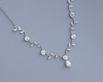 Vine Crystal Necklace,  Crystal Vine Bridal Necklace,  Silver Vine Wedding Jewelry, Bridesmaid Necklace, Collier de Cristal VINE 2