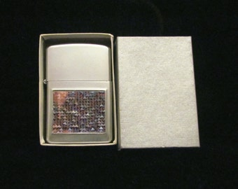Vintage Silver Lighter Holographic Pocket Lighter Wellington Cigarette Cigar Pipe Lighter Flip Top Lighter Boxed EXCELLENT WORKING CONDITION