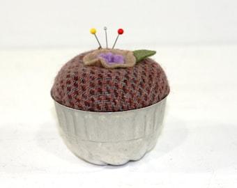 Vintage Tin Mold Pincushion (2)