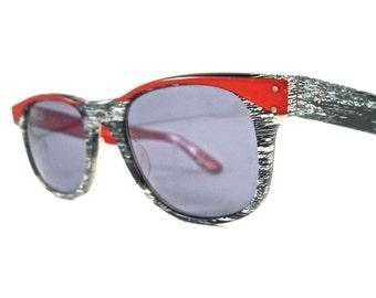 SALE // L.A. Eyeworks The Beat red white and black wayfarer sunglasses. woodgrain non prescription lenses. horn rimmed.