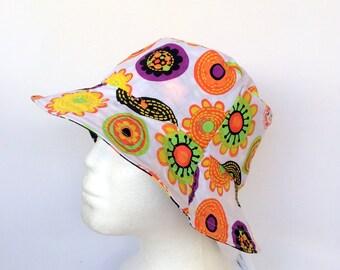Black & White Daisy Reversible Bucket Hat - girls sizes 6 mths - 8 yrs, retro