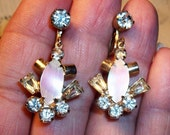 Vintage MOP & RHINESTONE Earrings, Spectacular Screw-Back Pair, Gold Tone, Lg Colorful MOP, Sparkling Glass Stones, Fabulous Find!!