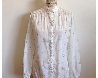 Vintage white with floral long sleeve blouse