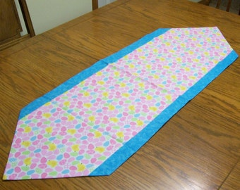 Easter Table Runner with Easter Eggs and Chicks - Table Decoration, Easter Decoration, Pink Table Runner, Spring Table Runner, Easter Egg