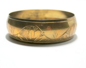 Etched Brass Bangle  70's Fashion  Bangle Bracelet  Brass Jewelry Boho Bangle Vintage Bangle Vintage Brass Etched Bracelet