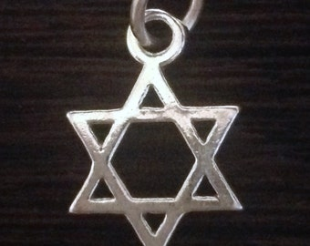 STERLING SILVER Star of David Charm or Pendant C31