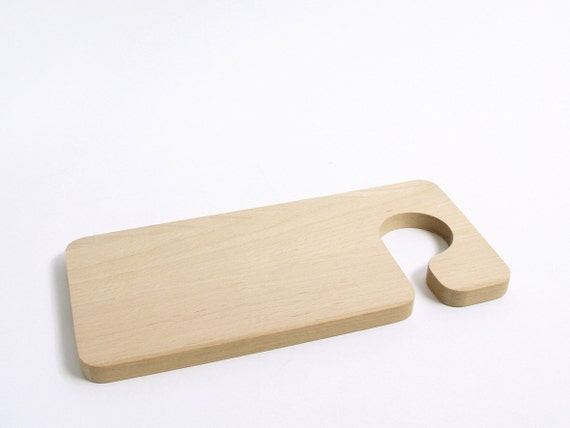 SNUG.DOORHANGER  cutting board