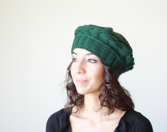 Womens knit beret in emerald green, winter beanie women, winter ladies hat, Green winter hat, Womens green knit beret, Ladies knit cap
