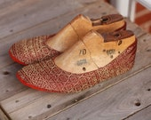 US 9.5 / Euro 40 / UK 8, burgundy-gold slippers #558