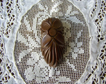Vintage Bakelite Clip Chocolate Brown Dress Clip Fur Clip Sunflower Brooch Mothers Room 1940s