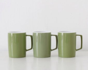 Retro Melaware olive green mugs cups 70s made in England picnic