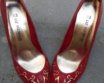 Liz Olemberg Spain 80s Red Pumps w/Gold Ethnic Detail-8.5