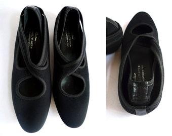 Donald J Pliner Couture chic black neoprene elastic flats / size 7 7.5 US,  5 UK,  38 Eur