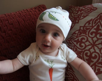Gender Neutral Baby Vegetable Bodysuit and beanie set, Organic Cotton, Natural with Carrot and Sweet Pea, Great for Babies first Vegetables