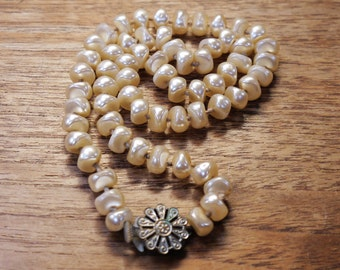 Vintage Pearl Necklace 1940s