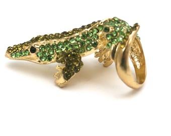 Fun Ladies Vintage Ring  Alligator Green Rhinestone / Goldtone Statement Ring Size 6