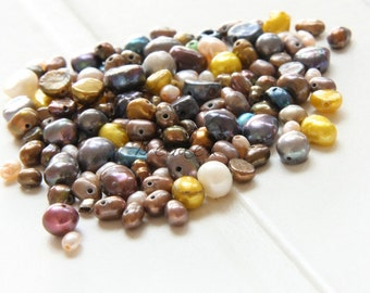 30 Pieces / Natural Fresh Water Pearl / Mixed Color / Mixed Size / Small Size 6~2mm (M456)
