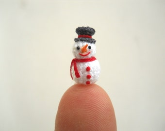 Micro Snowman in Dome Pendant - Miniature Crochet Amigurumi Tiny doll - Made To Order