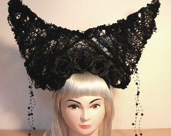 Gothic fascinator with horns