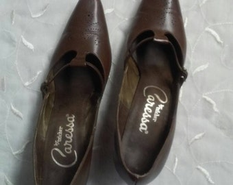 Brown leather pump, Caress by Taicher, 8AAA