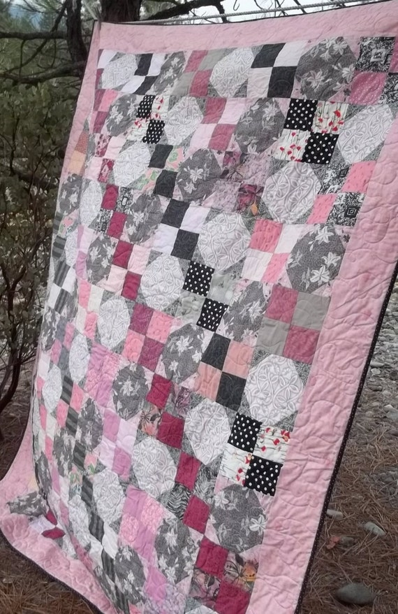 Pink gray and black snowball and four patch twin quilt for Black white and gray quilt patterns