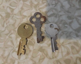 Vintage Gold and Silver Small Tiny Keys Set of (3) Three For Steampunk/Jewelry/Recycle/Reuse/Repurpose
