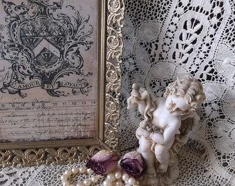 Vintage French Cottage Filigree picture frame,  goldtone metal