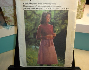 Wrap Skirt Super Easy to Sew Vintage Sewing Pattern Wrap Skirt Butterick 5057 Waist 28""