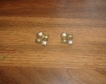 vintage clip earrings goldtone green white faux pearls