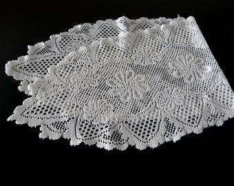 Vintage White Cotton Lace Runner 830+
