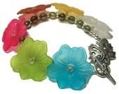 Clearance Impatiens Lucite Flower Bracelet, Flower Bracelet, Lucite bracelet