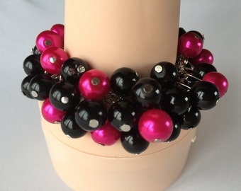 Black and hot pink (fuchsia) pearls ,chunky bracelet, wedding jewelry