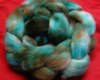 4 oz.  Bluefaced Leicester (BFL) wool roving; Kentucky Bluegrass