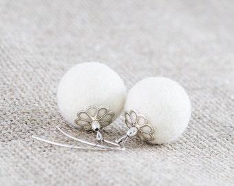 Snowy White Winter Earrings, Felted Earrings, Winter Jewelry, Christmas Jewelry, Winter Fashion, Handmade Felt Earrings, Gift Idea For Her