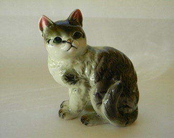 CAT, Large Vintage Grey and White Cat Figurine
