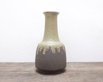 Retro Vase by Elke Pottery