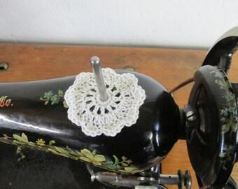 Spool Pin Doily (Off White)