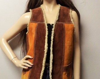 """Vintage 70's Sherpa Lined Suede Leather  2 tone Vest Size 38"""" chest"""