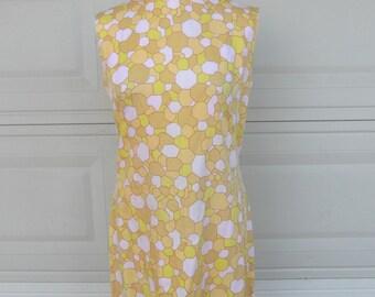 Vintage Geometric Shift Dress . Pastel Pink Yellow Print . M-L